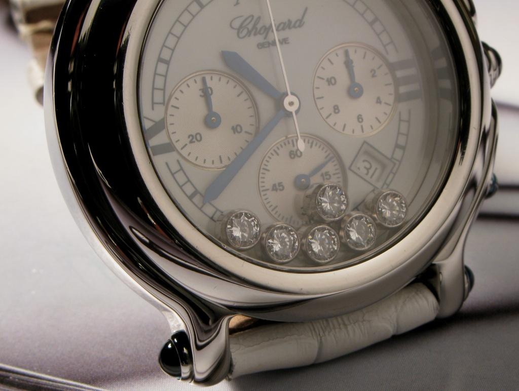 j 39 aime les grosses montres sur les poignets fins. Black Bedroom Furniture Sets. Home Design Ideas