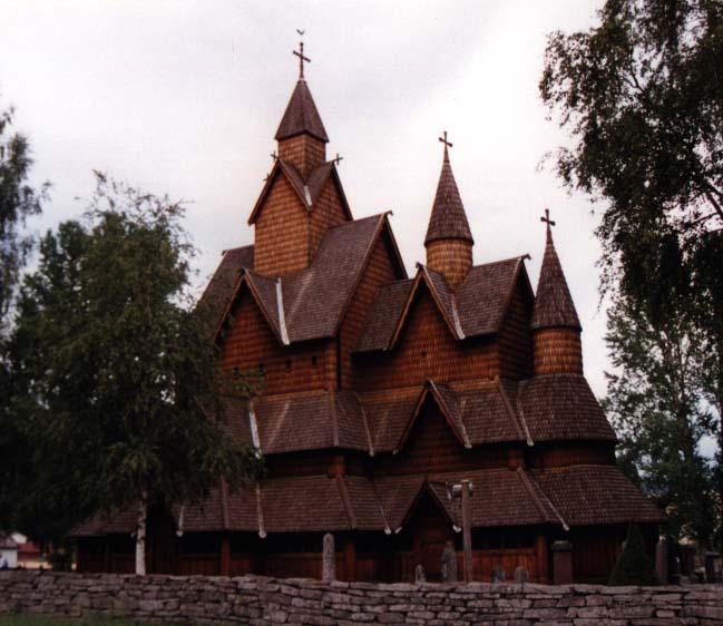 stavkirker ou eglise en bois debout, Heldal, Norvege