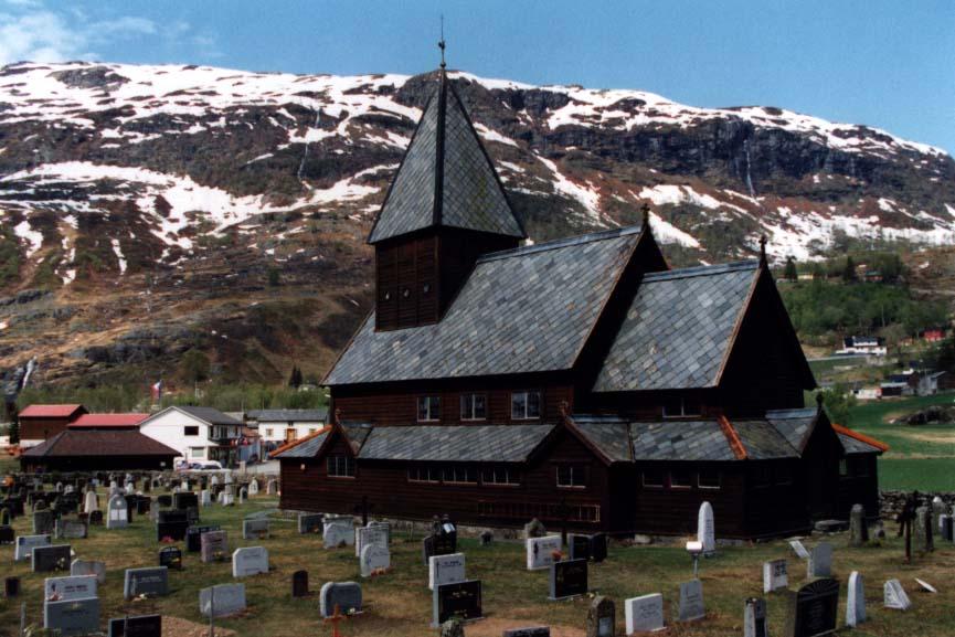 stavkirker ou eglise en bois debout de Roldal, Norvege