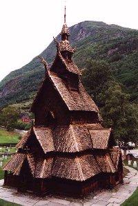 stavkirker ou eglise en bois debout a Borgund, Norvege