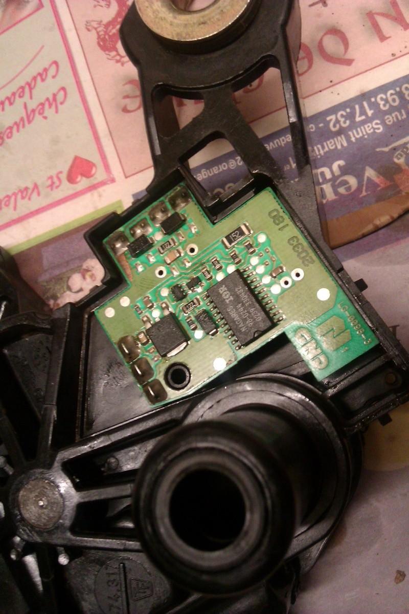 Reparation moteur d 39 essuie glace arri re sur octavia 2003 - Nettoyer circuit imprime ...