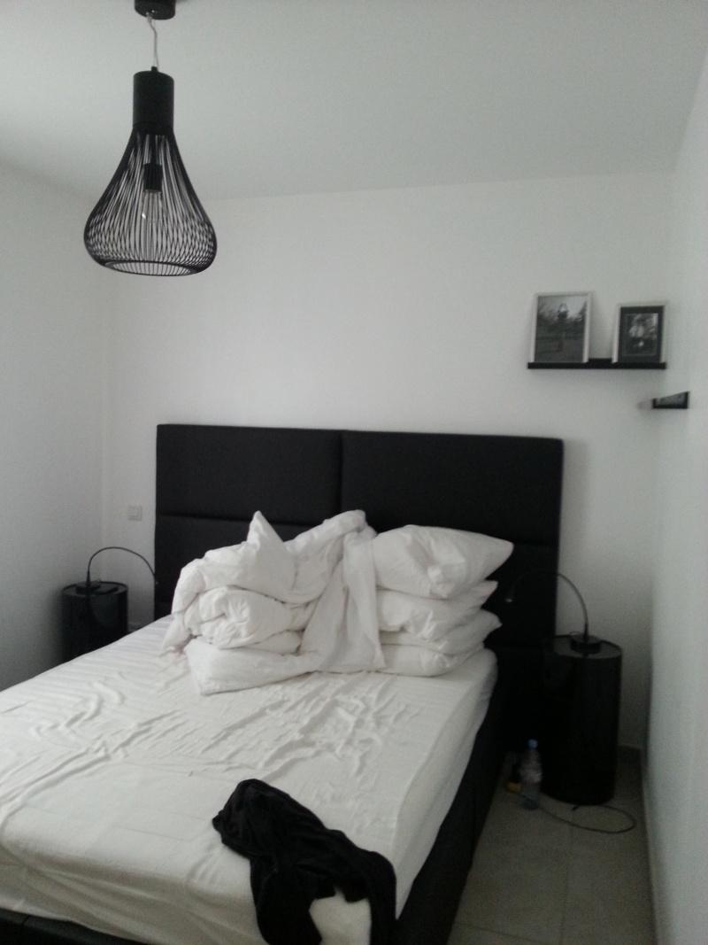 jodis31 quoi mettre au dessus du meuble sam. Black Bedroom Furniture Sets. Home Design Ideas