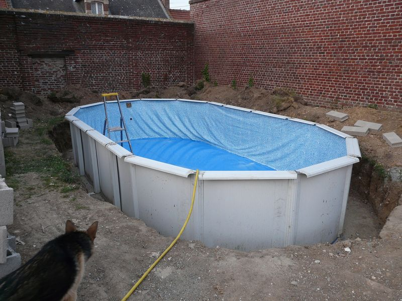 J 39 enterre ma piscine hors sol piscines r alisations for Enterrer une piscine bois