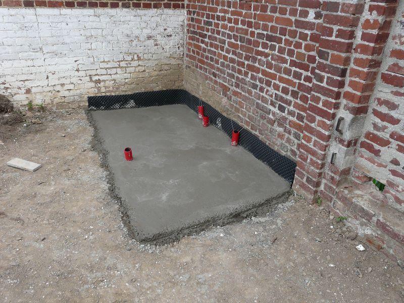 J 39 enterre ma piscine hors sol piscines r alisations for Local technique piscine beton