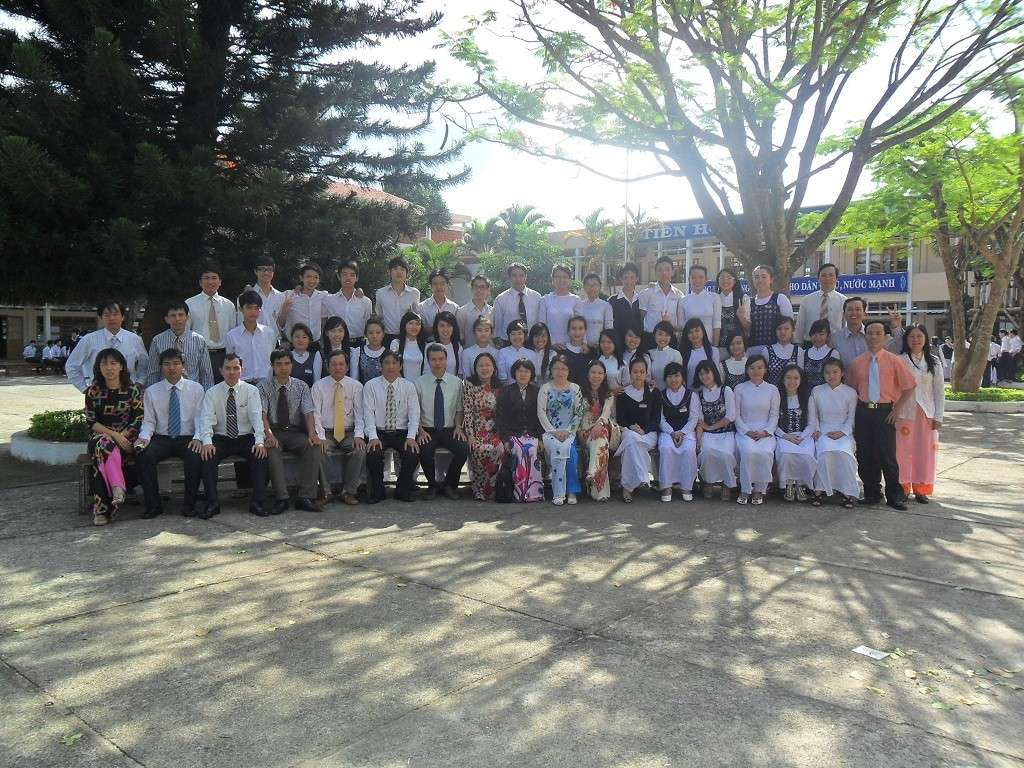 THPT Bảo Lộc - 12A12 4rum