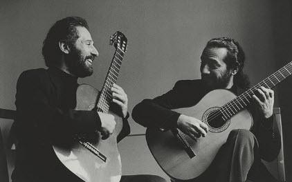 Sergio & Odair Assad: Play Piazzolla (2001)