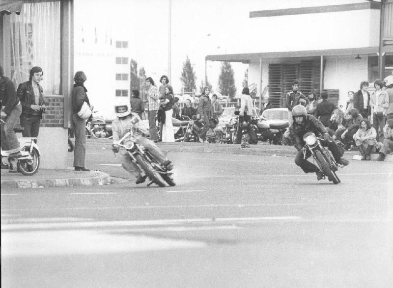 rungis 1972 moto festival. Black Bedroom Furniture Sets. Home Design Ideas