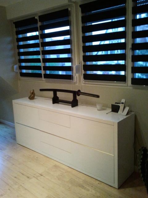 best vu de la porte du salon with leroy merlin store enrouleur jour nuit with store jour nuit. Black Bedroom Furniture Sets. Home Design Ideas